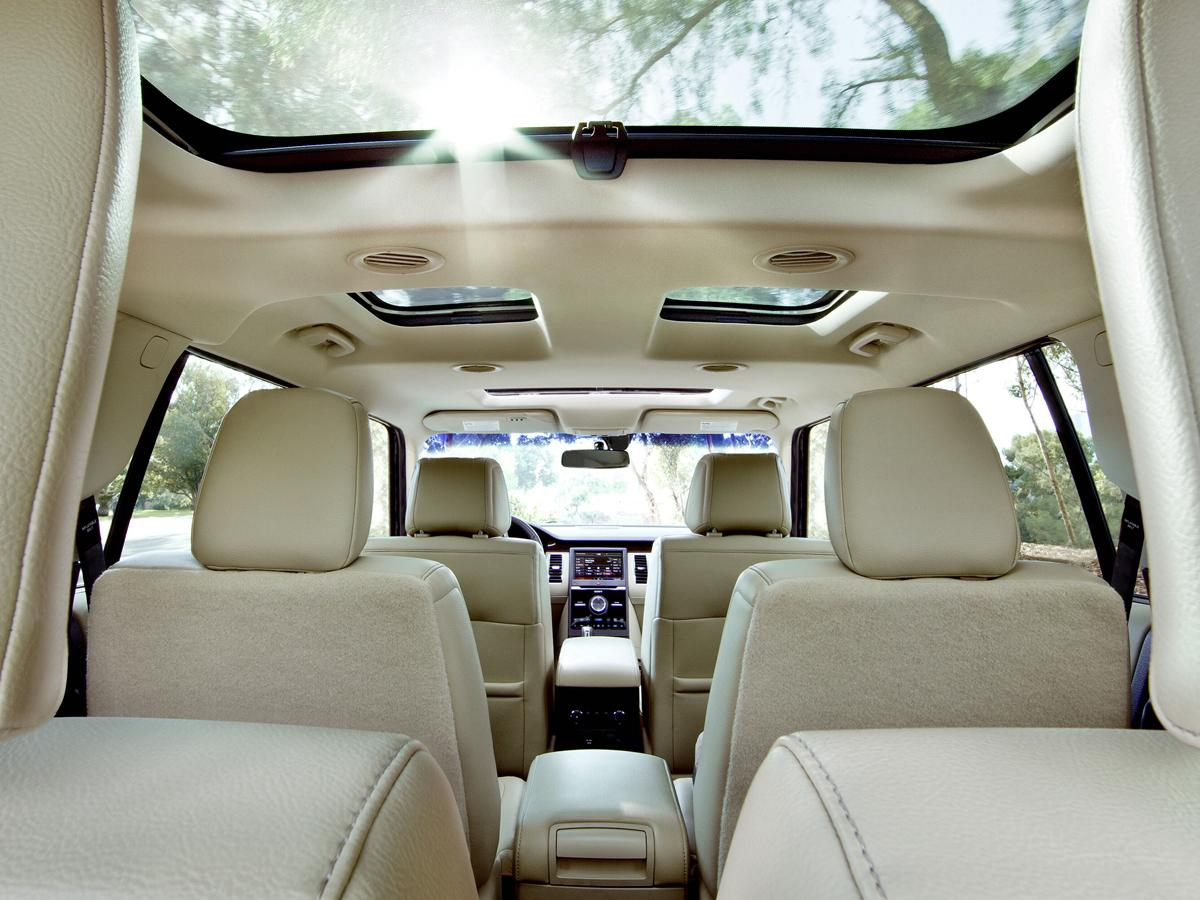 2016-ford-flex-dune-leather-seats-vista-roof-view-from-cargo-area