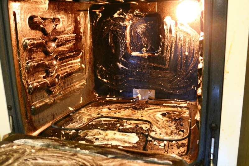 bakingsoda-wash-oven-everythingmomandbaby