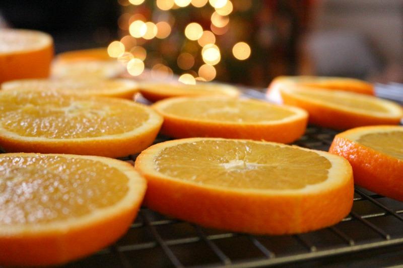 oranges-christmasdecor-emb