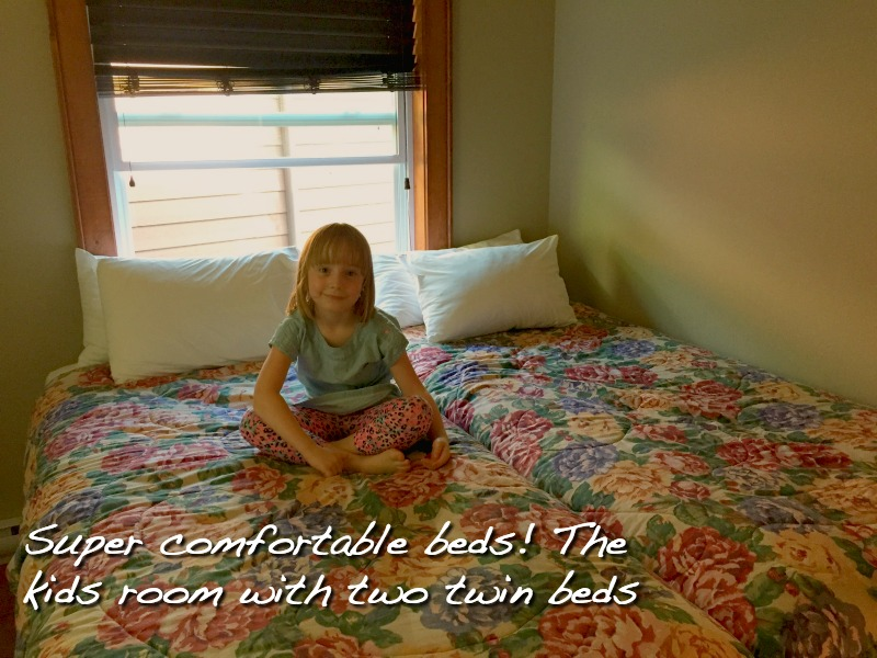 Bedroom_RedUmbrellaInn